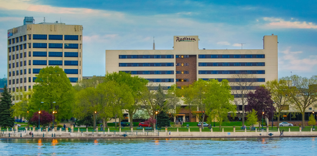Radisson Hotel La Crosse situated behind the Mississippi River