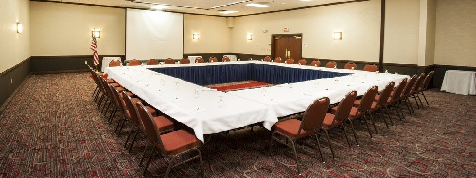 Meeting room with square layout