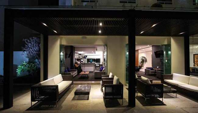 Bar and Outdoor Lounge