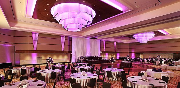 Arcadia Ballroom In Kalamazoo With Round Banquet Tables Downtown Hotel Entrance Area