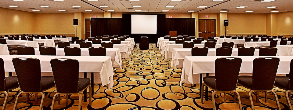 Kalamazoo meeting room with projection screen