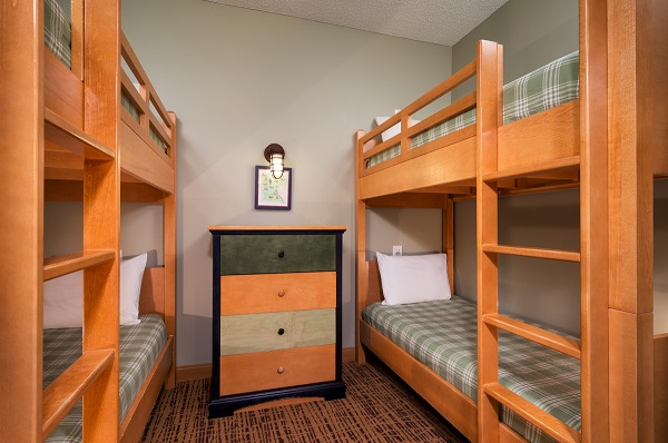 Deluxe Queen Room with Two Sets of Bunk Beds