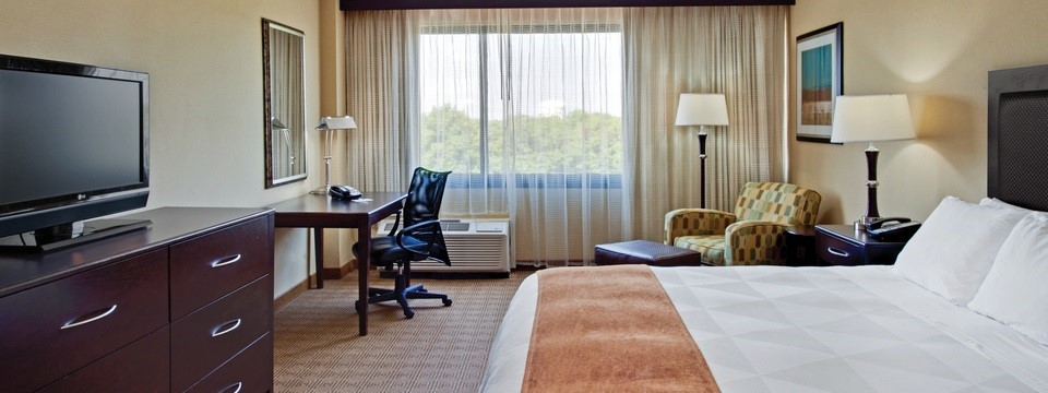 Hotel Rooms in Freehold