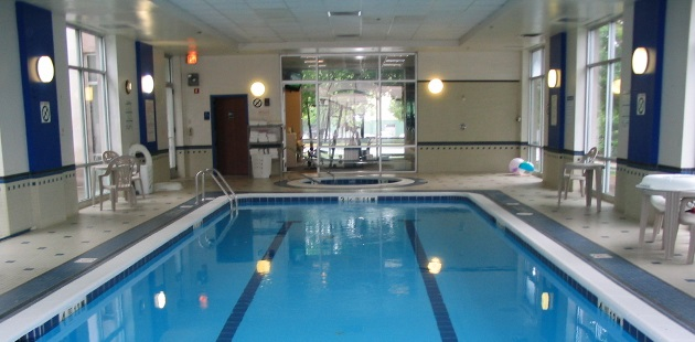 Piscataway hotel's indoor pool with a hot tub