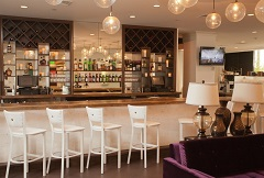 Radisson Hotel New Rochelle on-site bar