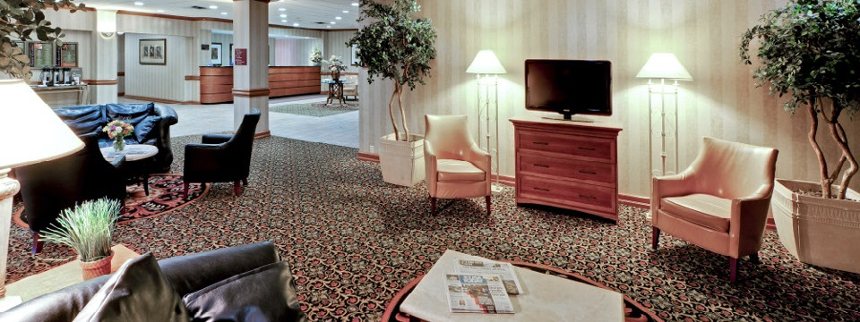 Lobby with TV and complimentary newspapers