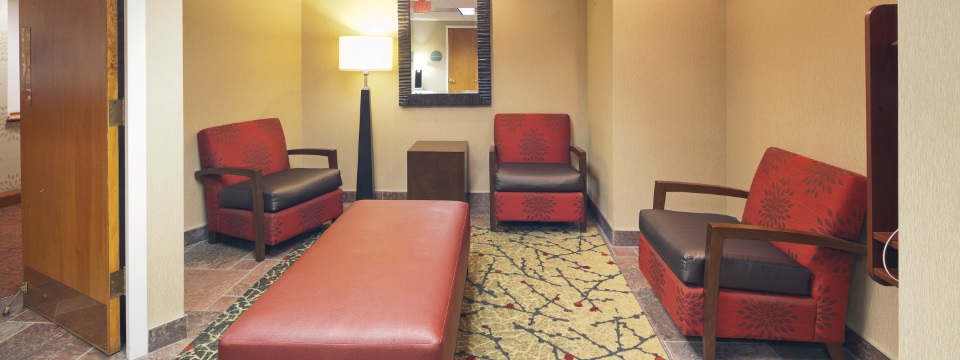 Our Cleveland-Gateway hotel's comfortable lobby