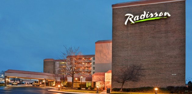 Radisson Hotel Cleveland Airport West evening exterior