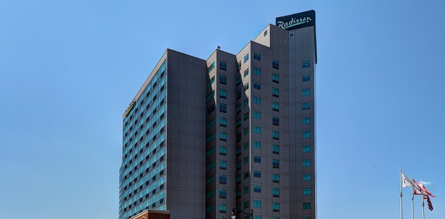 Exterior of the Radisson hotel in Niagara Falls, Canada