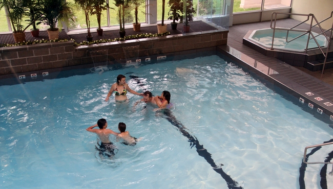 Newly Renovated Saltwater Pool and Whirlpool
