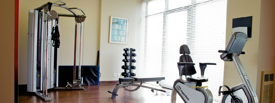 East Toronto hotel's fitness centre with free weights