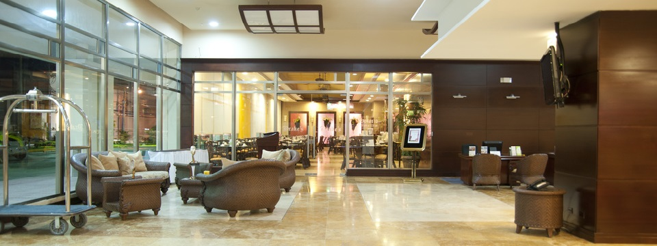 Colon hotel's spacious lobby