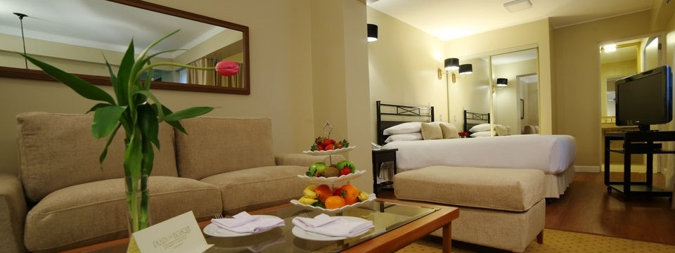 Suite living area with fruit set out