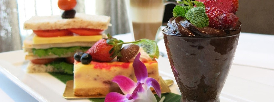 Desserts, sandwiches and tea at the Radisson in Bangkok