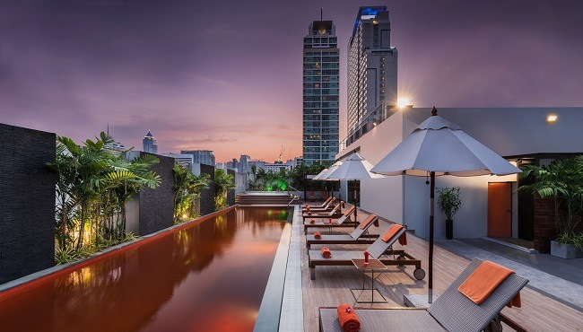 Rooftop Pool In Bangkok Radisson Hotel Rooftop Pool