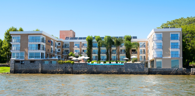 Radisson Hotel Colonia del Sacramento on the riverfront