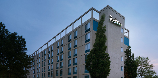 Exterior of the Radisson Hotel at the University of Toledo