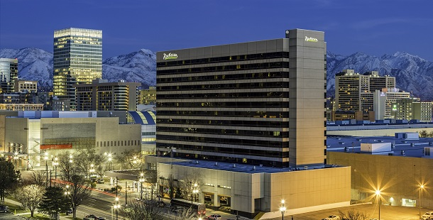 Exterior of Radisson Hotel Salt Lake City Downtown at night