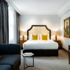 Late hotel deals London